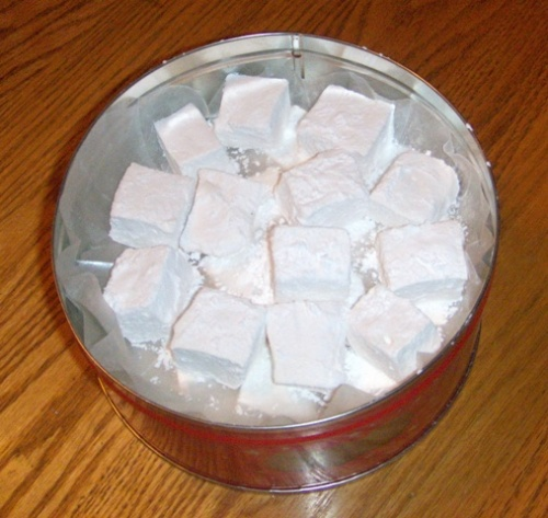 tin-of-marshmellows.jpg